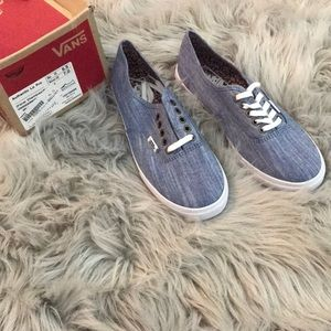 Women's Chambray Blue Vans (Size: 7, Brand New)